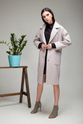 Пальто-халат со съемным поясом серого цвета