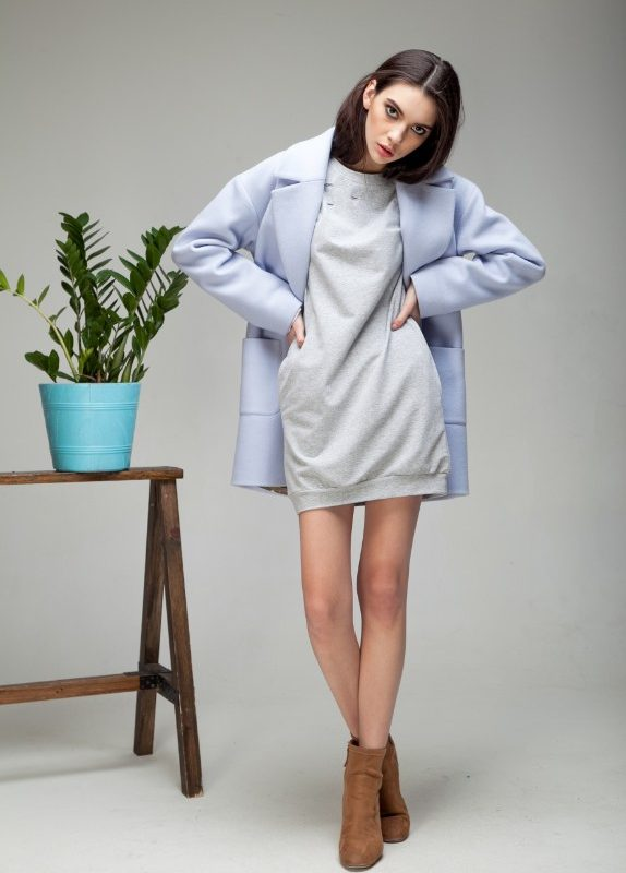 Пальто с накладными карманами лавандового цвета