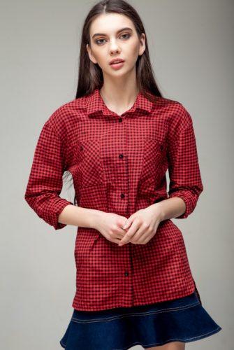 Рубашка в клетку красного цвета