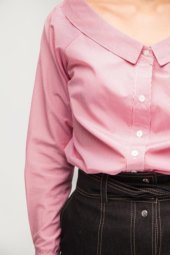 Рубашка с открытыми плечами красно-белая - THE LACE