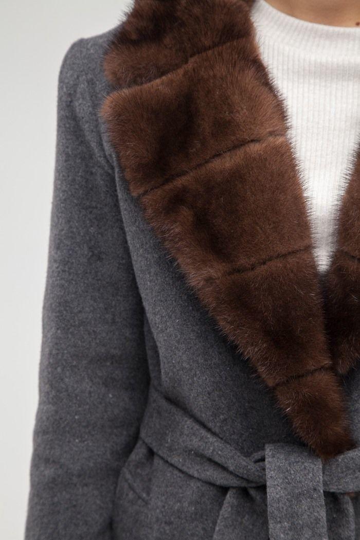 Пальто с воротником из норки серое - THE LACE