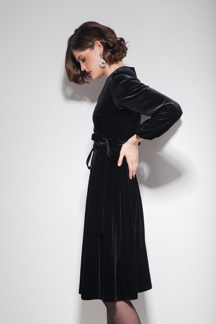 Платье из бархата на запах миди черное - THE LACE