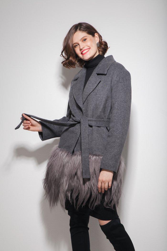 Пальто с мехом яка серое - THE LACE