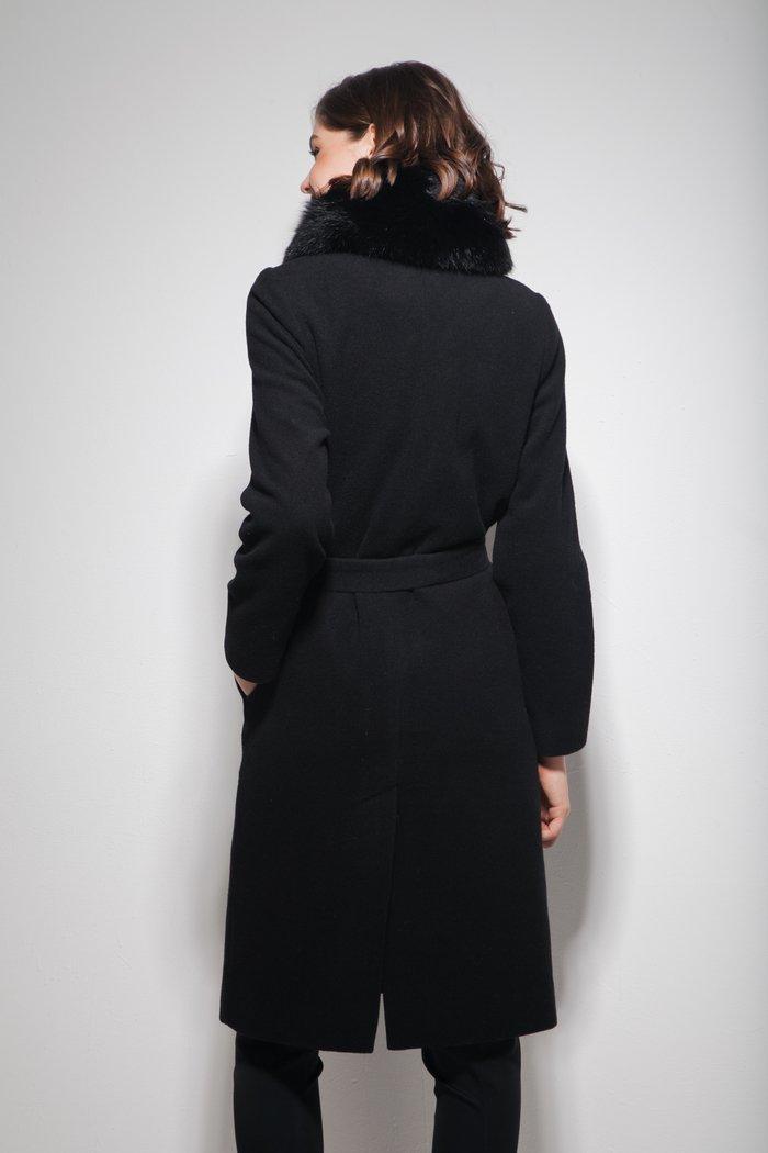Пальто с меховым воротником из песца черное - THE LACE