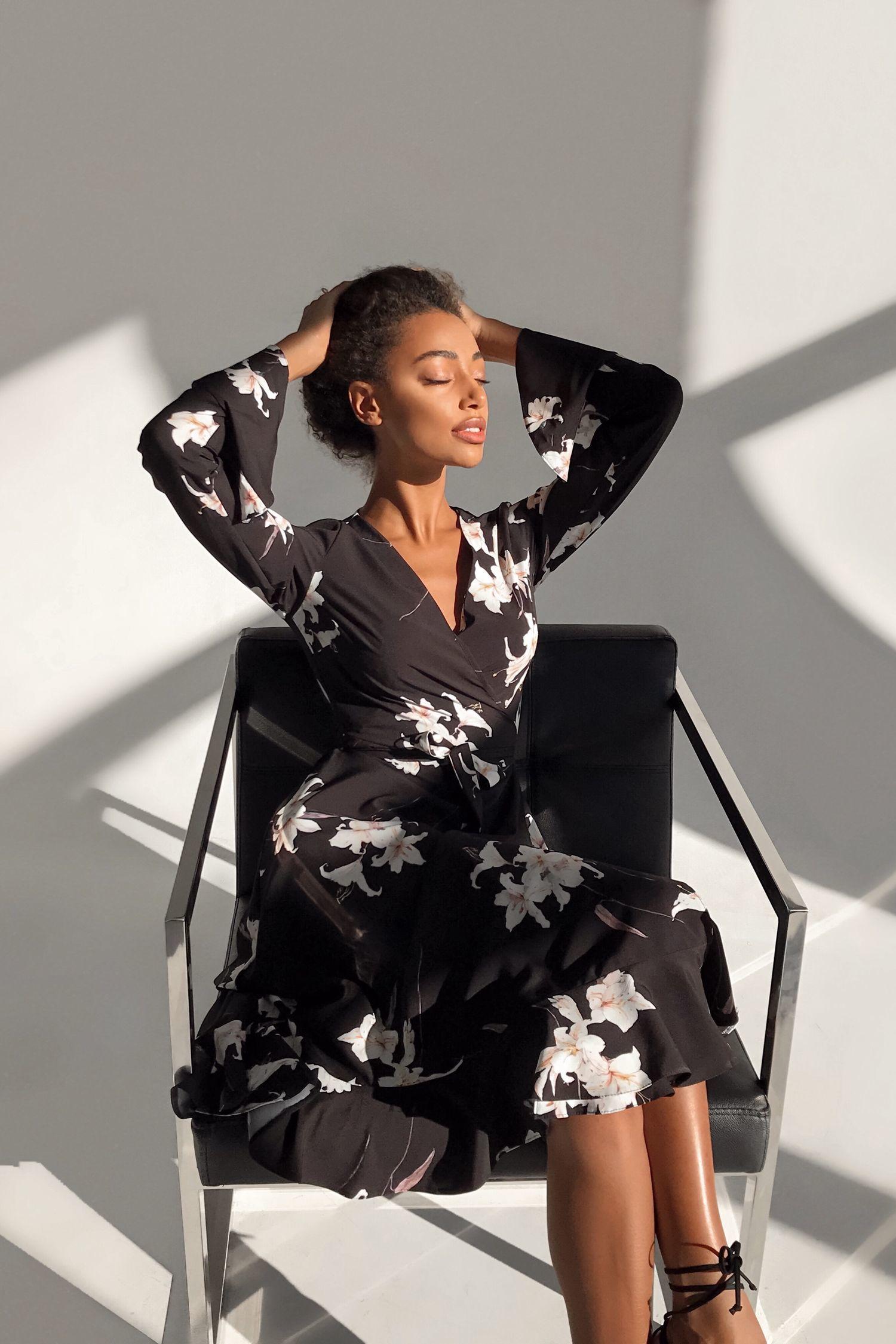 Платье миди на запах черное Lilies - THE LACE