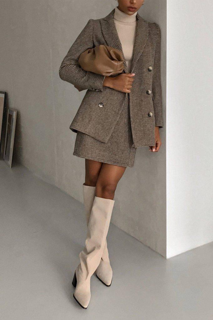 Шерстяной костюм с юбкой бежевый - THE LACE