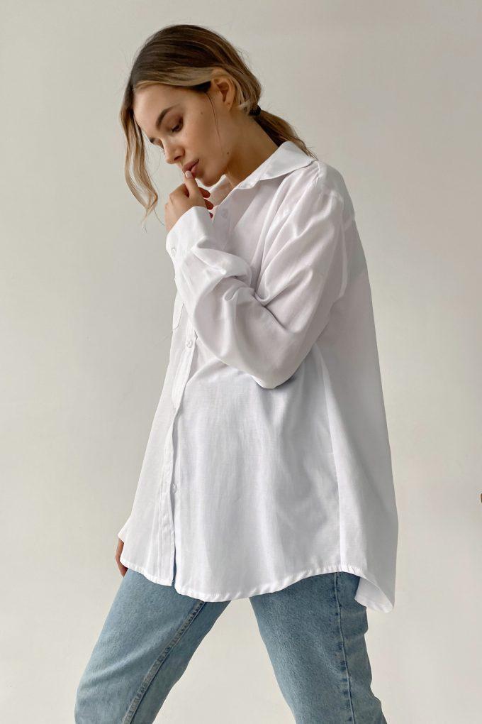 Рубашка оверсайз с накладным карманом белая