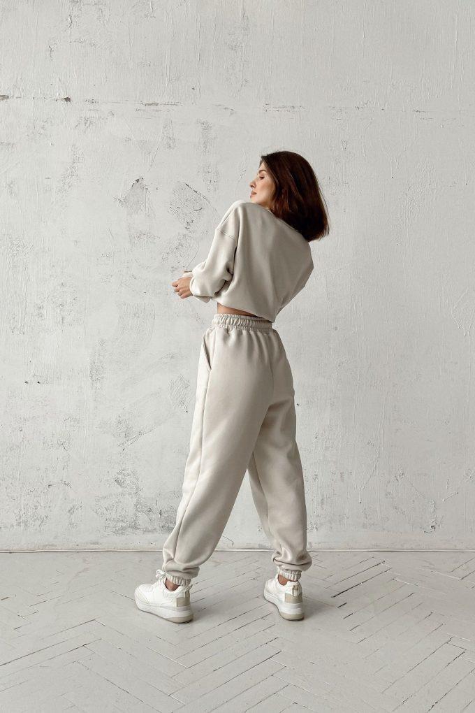 Костюм со спортивными брюками и свитшотом milk - THE LACE