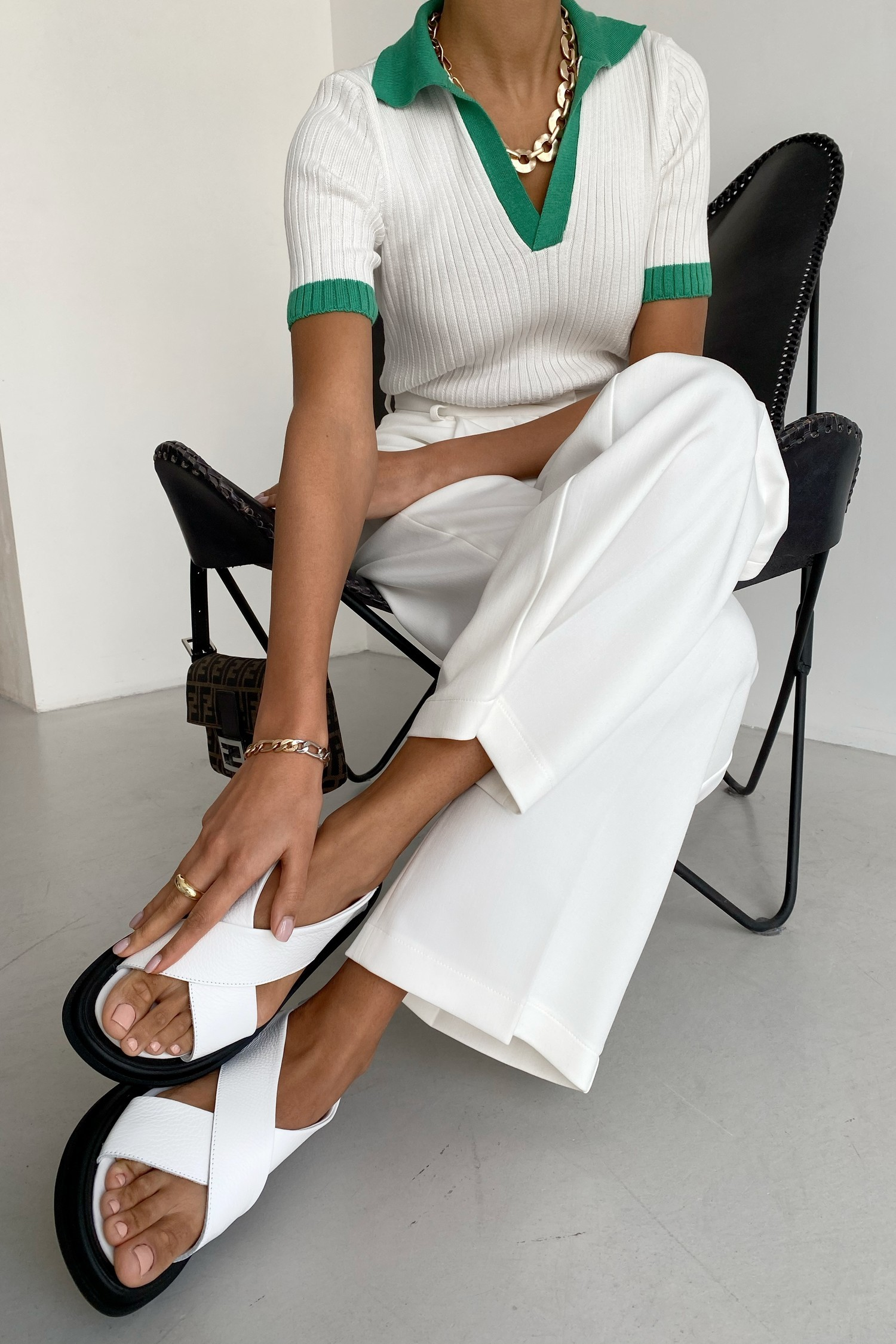 Белые кожаные сандалии - THE LACE