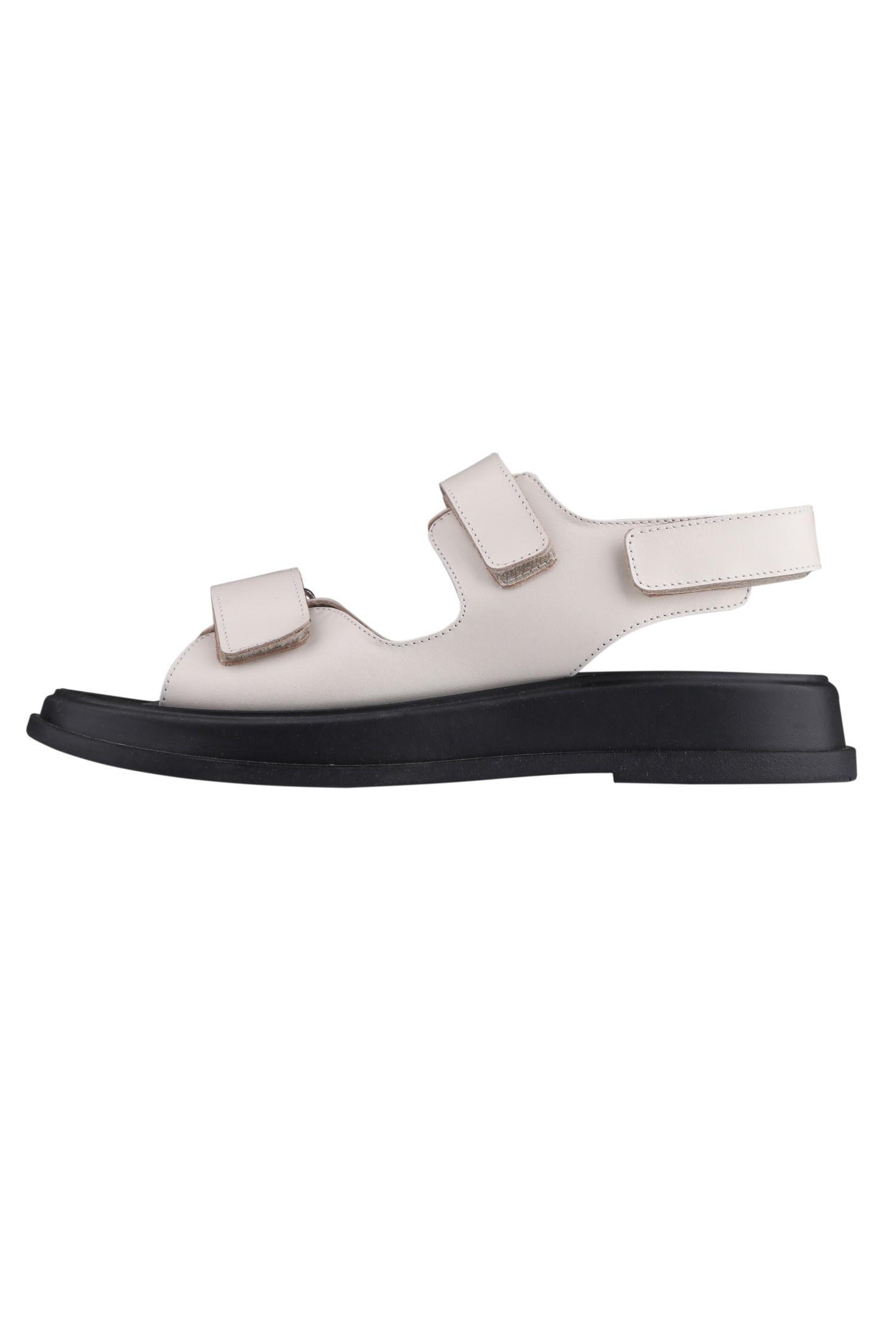 Кожаные сандалии с пряжками кремовые - THE LACE