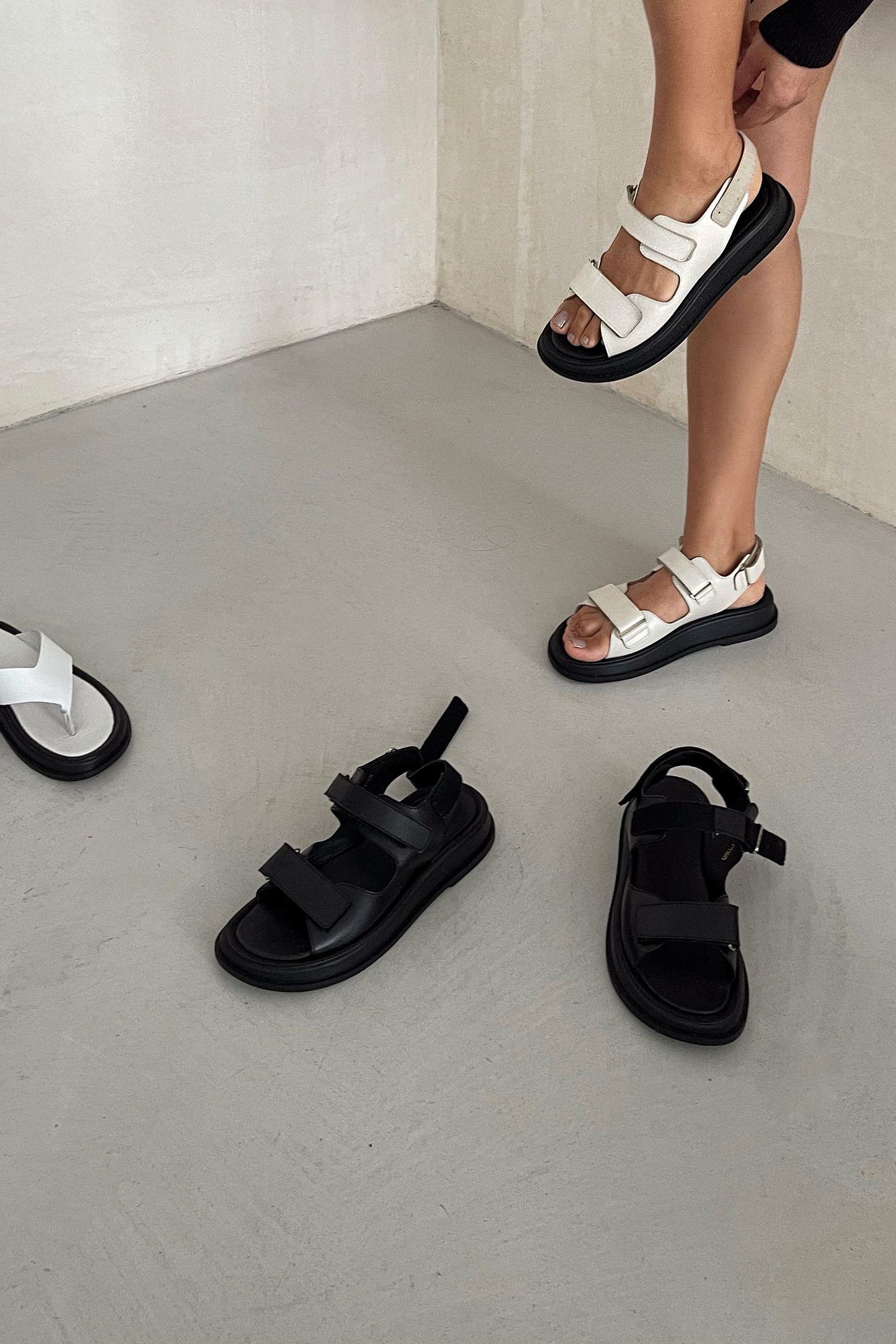 Кожаные сандалии с пряжками черные - THE LACE