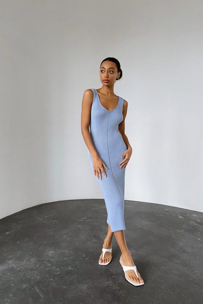 Лавандовое трикотажное платье с вырезом - THE LACE