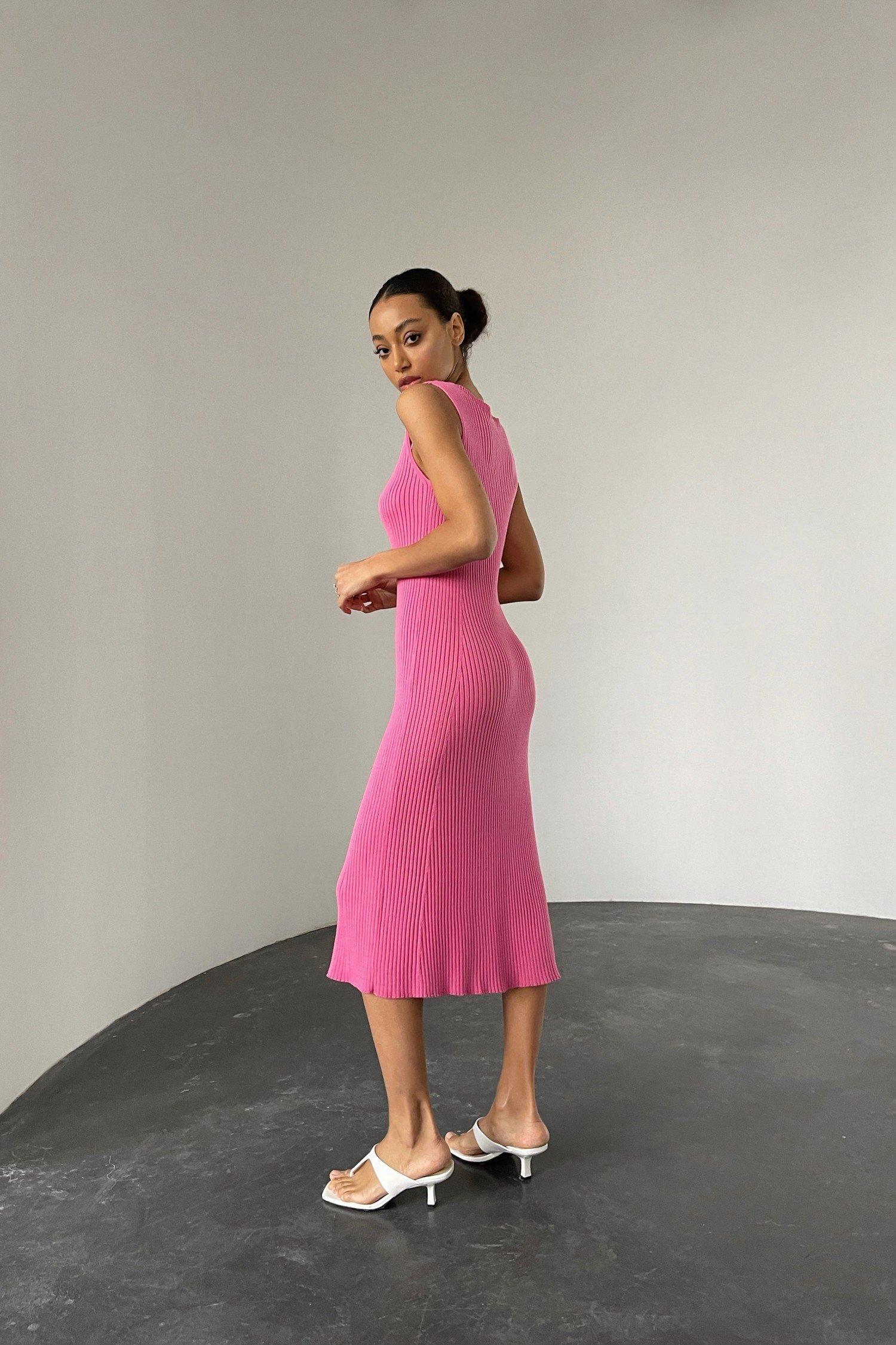 Малиновое трикотажное платье - THE LACE