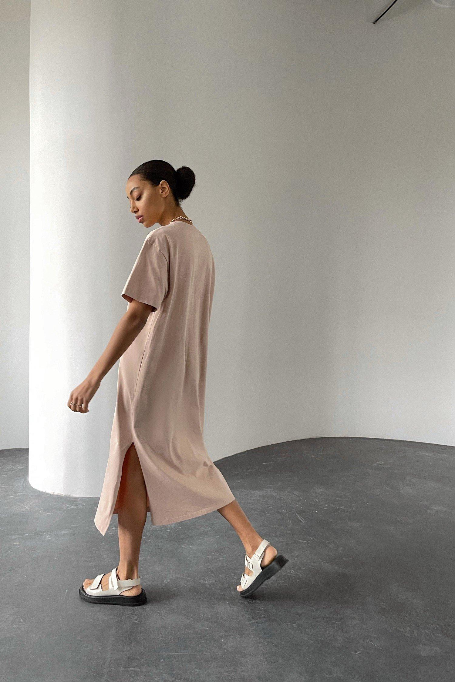Платье-футболка бежевое - THE LACE