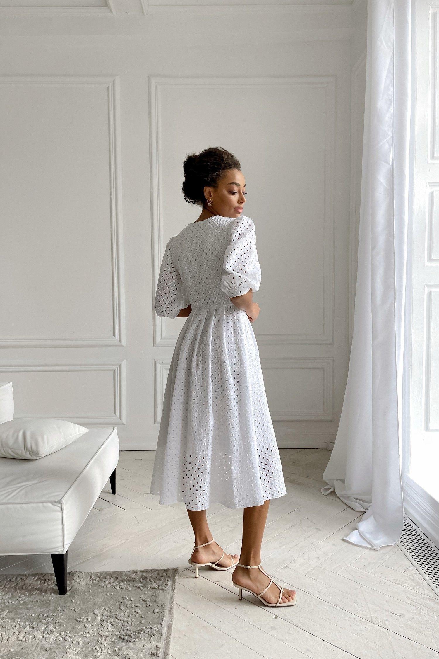Белое платье с вышивкой - THE LACE