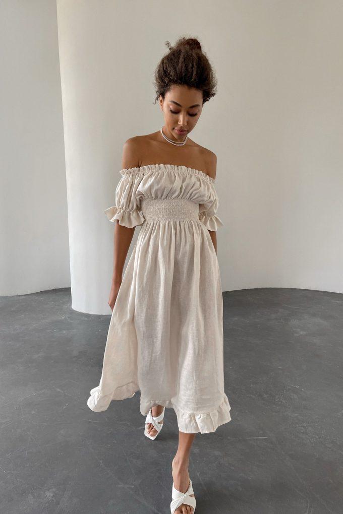 Платье из льна со спущенными плечами айвори - THE LACE