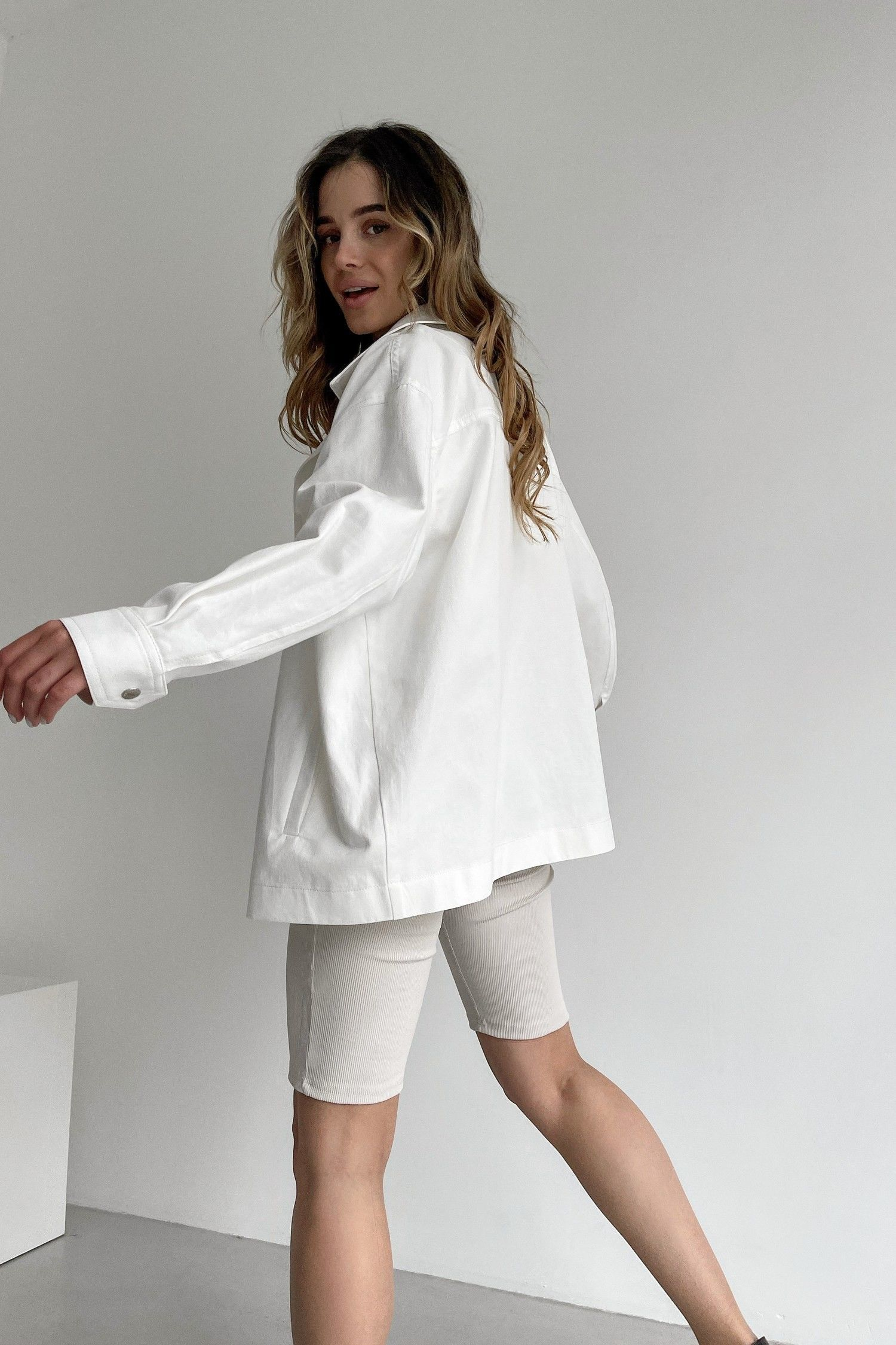 Куртка из коттона оверсайз белая - THE LACE