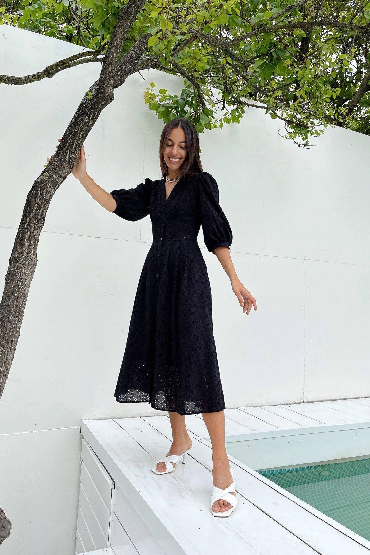 Платье миди с вышивкой черное - THE LACE