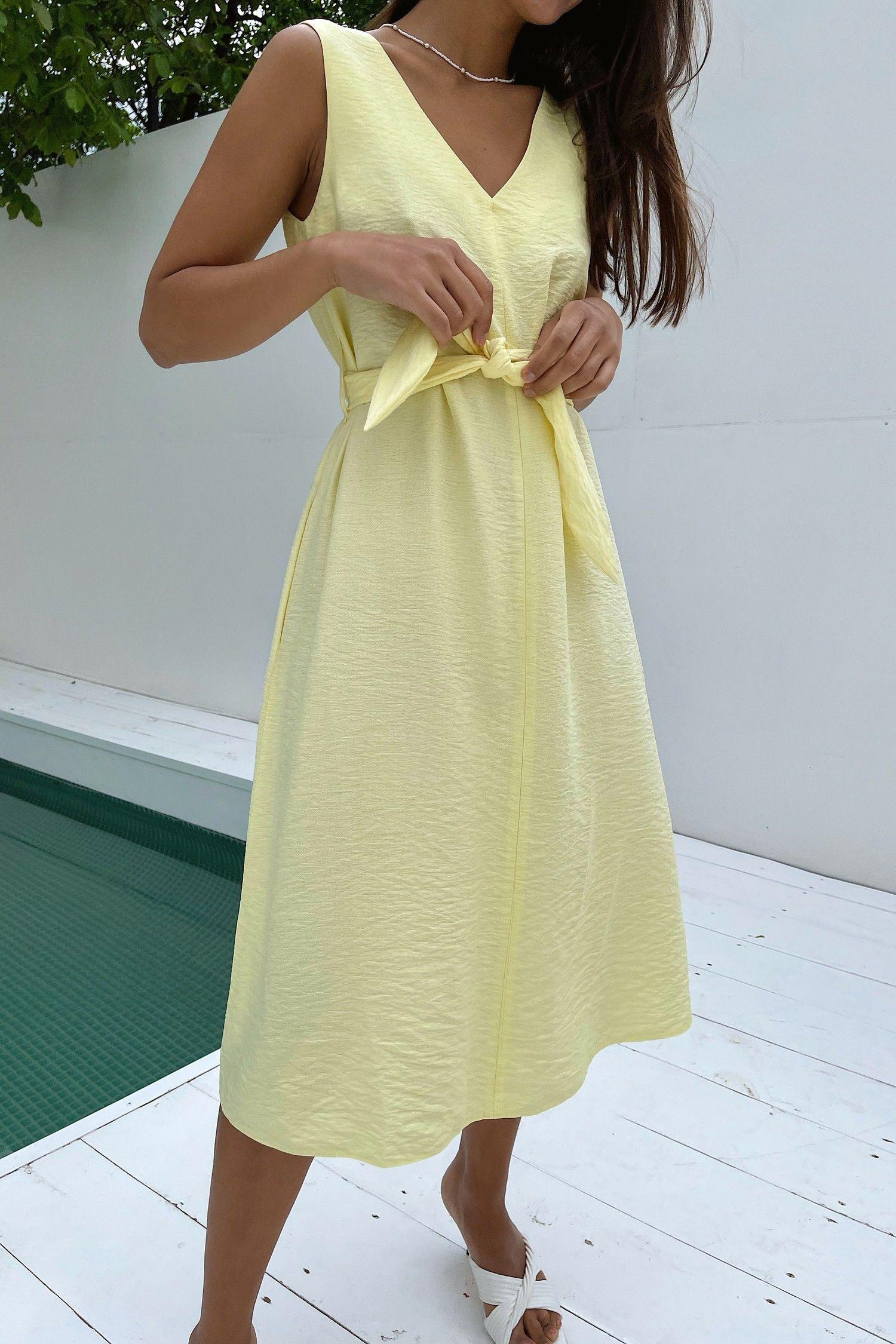 Сарафан из льна с вырезом желтый - THE LACE