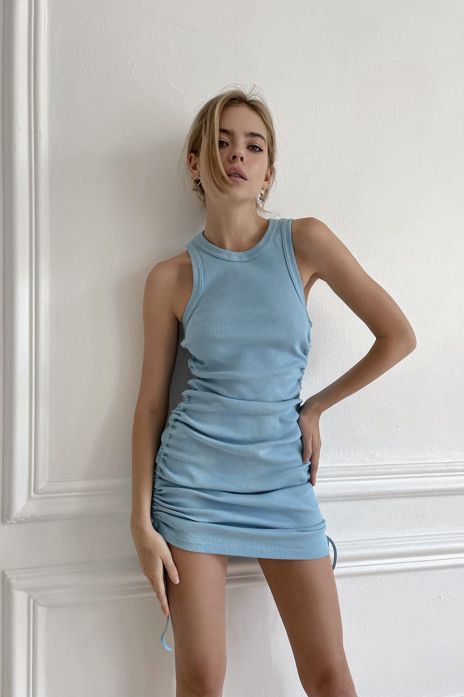 Платье мини трикотажное с кулисками голубое - THE LACE