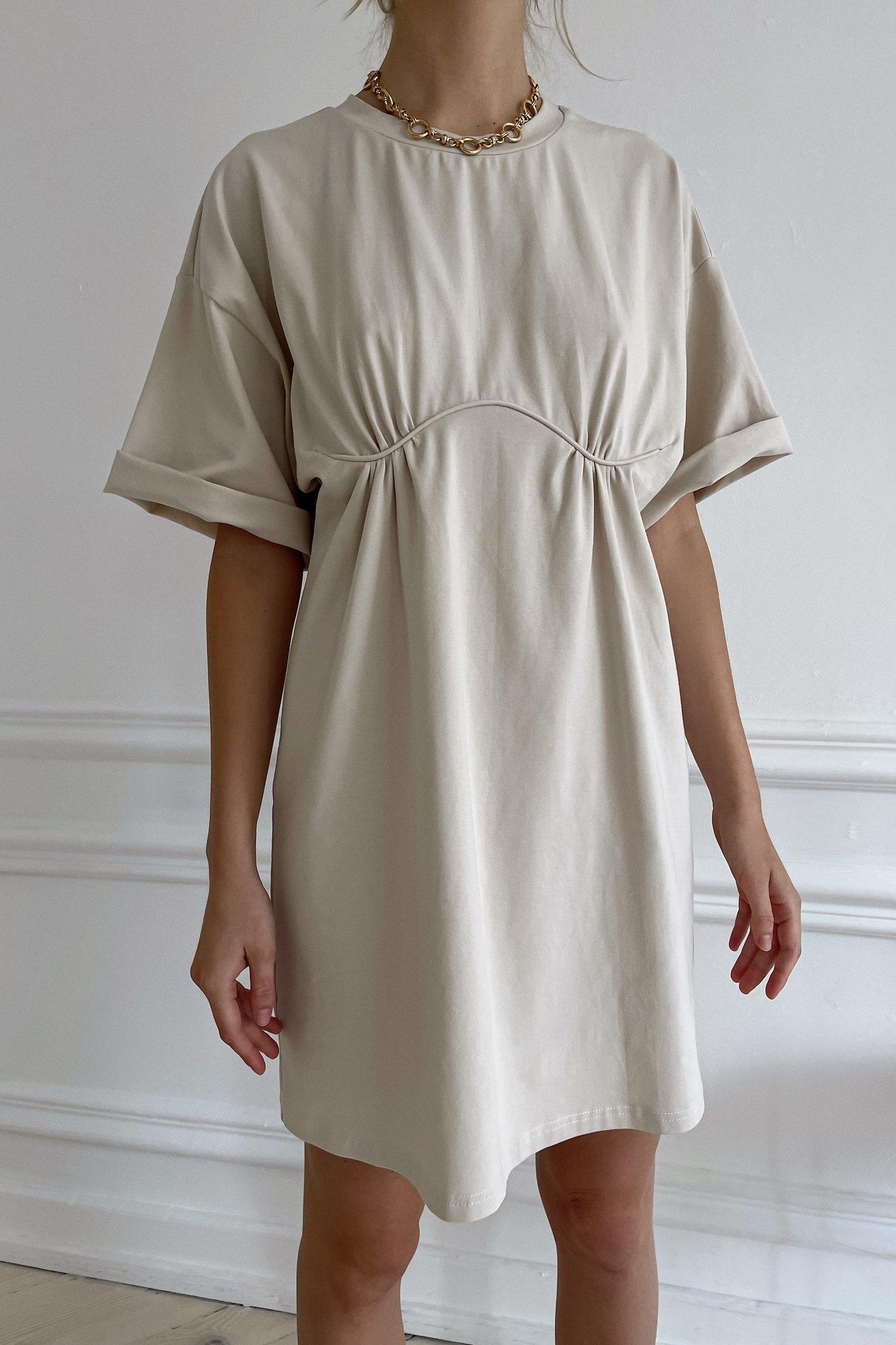 Платье-футболка с декором кремовое - THE LACE