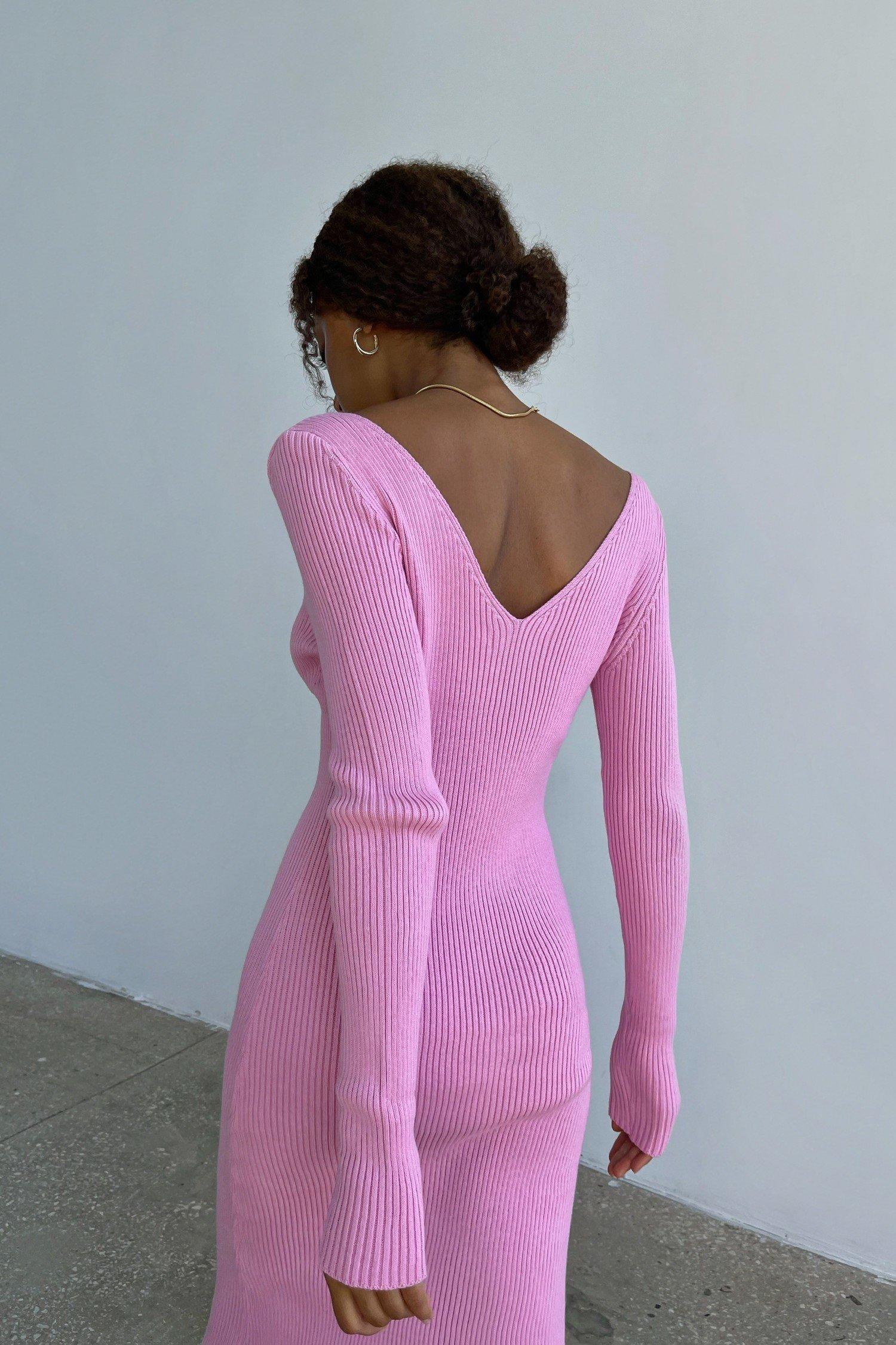 Трикотажное платье миди с открытой спиной розовое - THE LACE