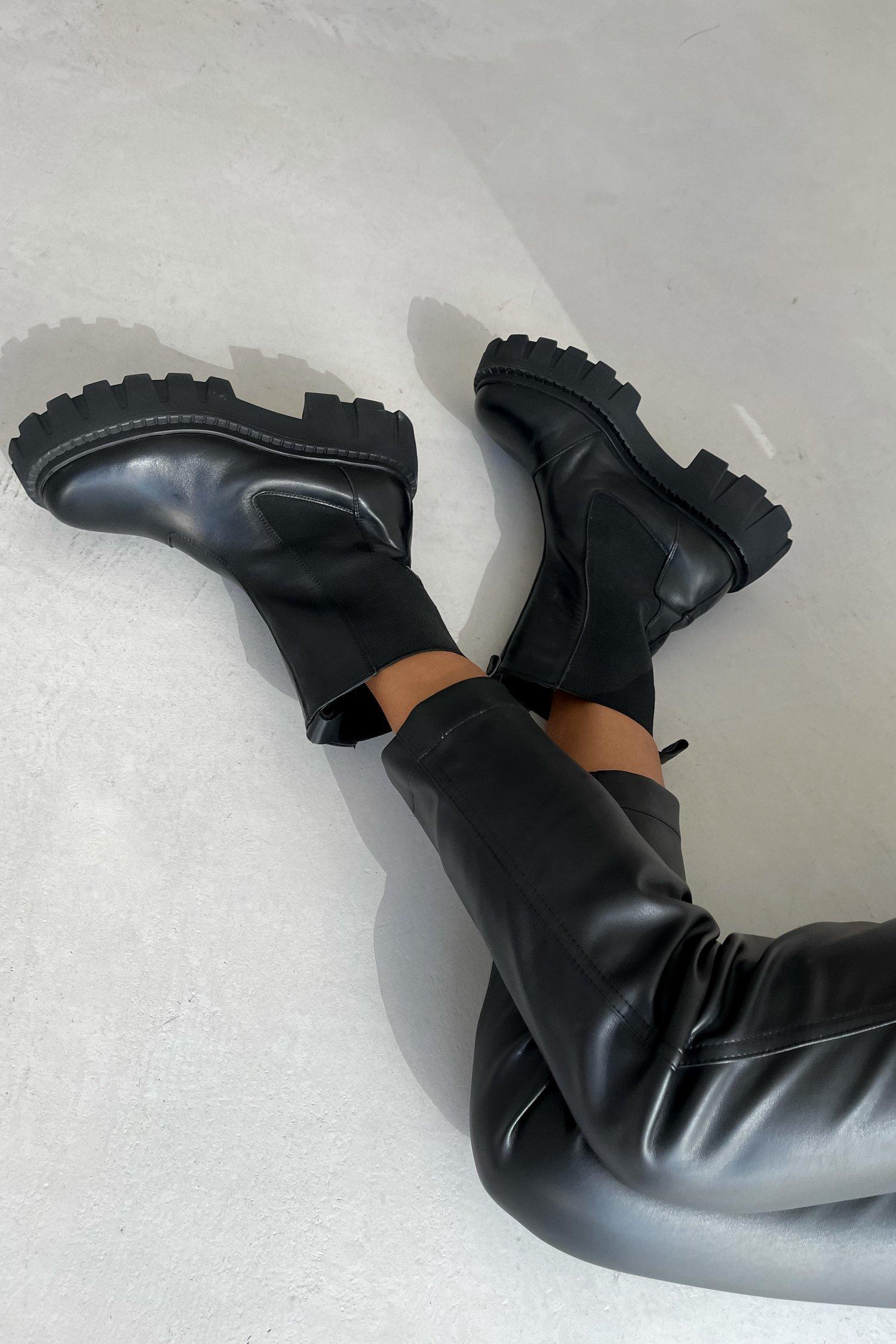 Ботинки челси на массивной подошве черные - THE LACE