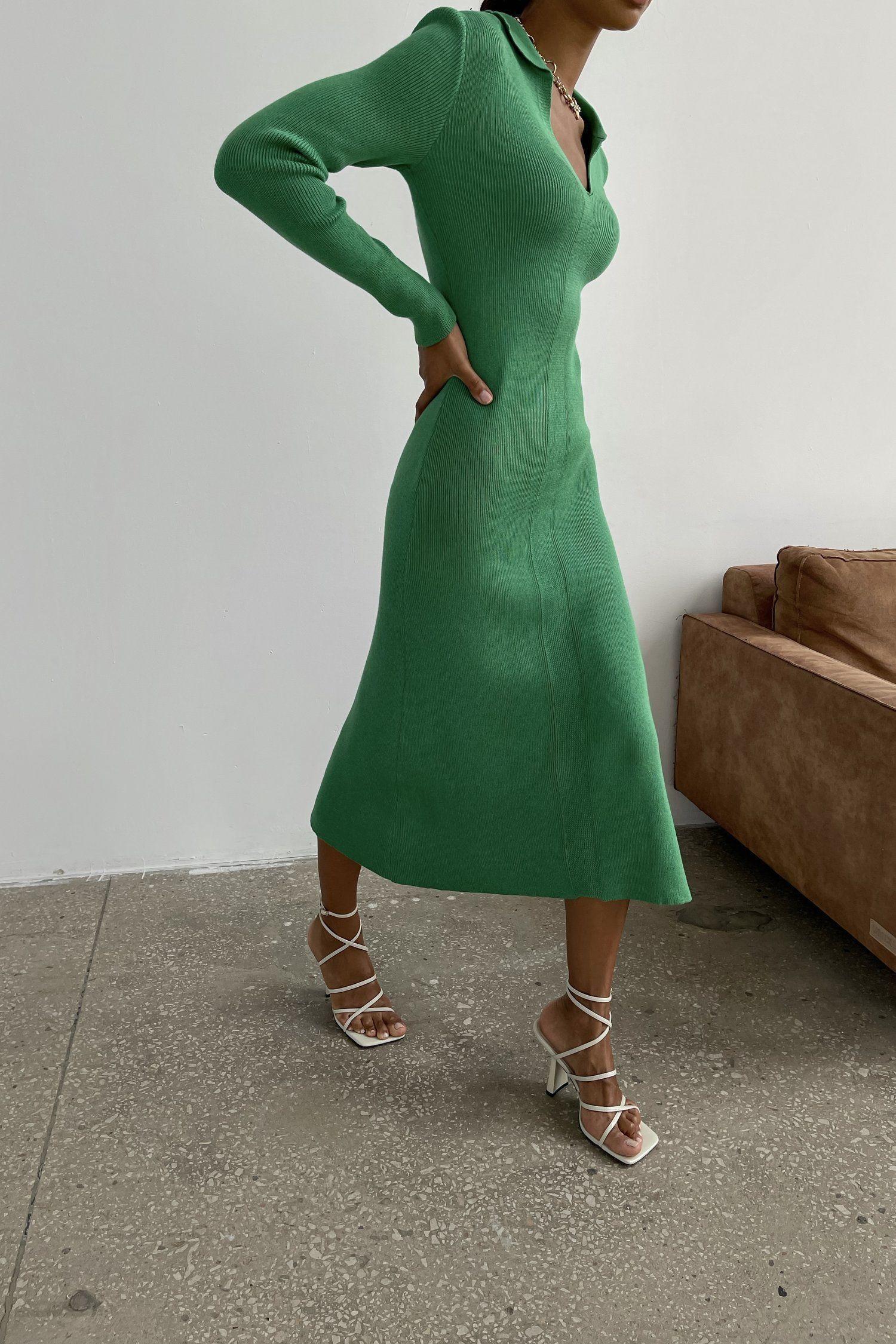 Трикотажное платье поло зеленое - THE LACE