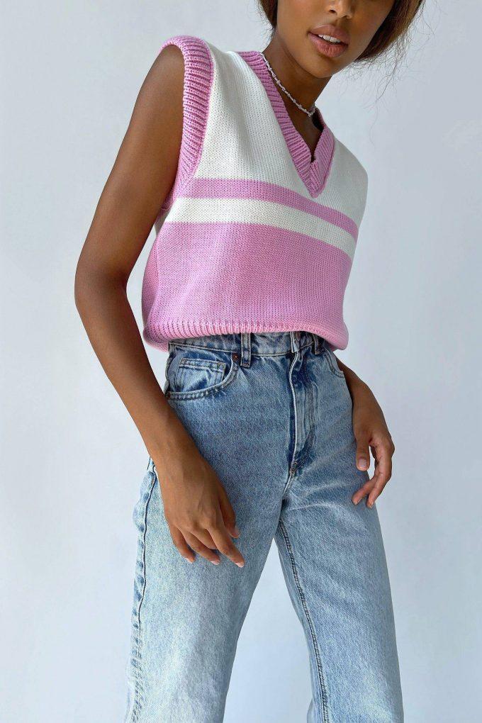 Укороченный вязаный жилет розовый - THE LACE