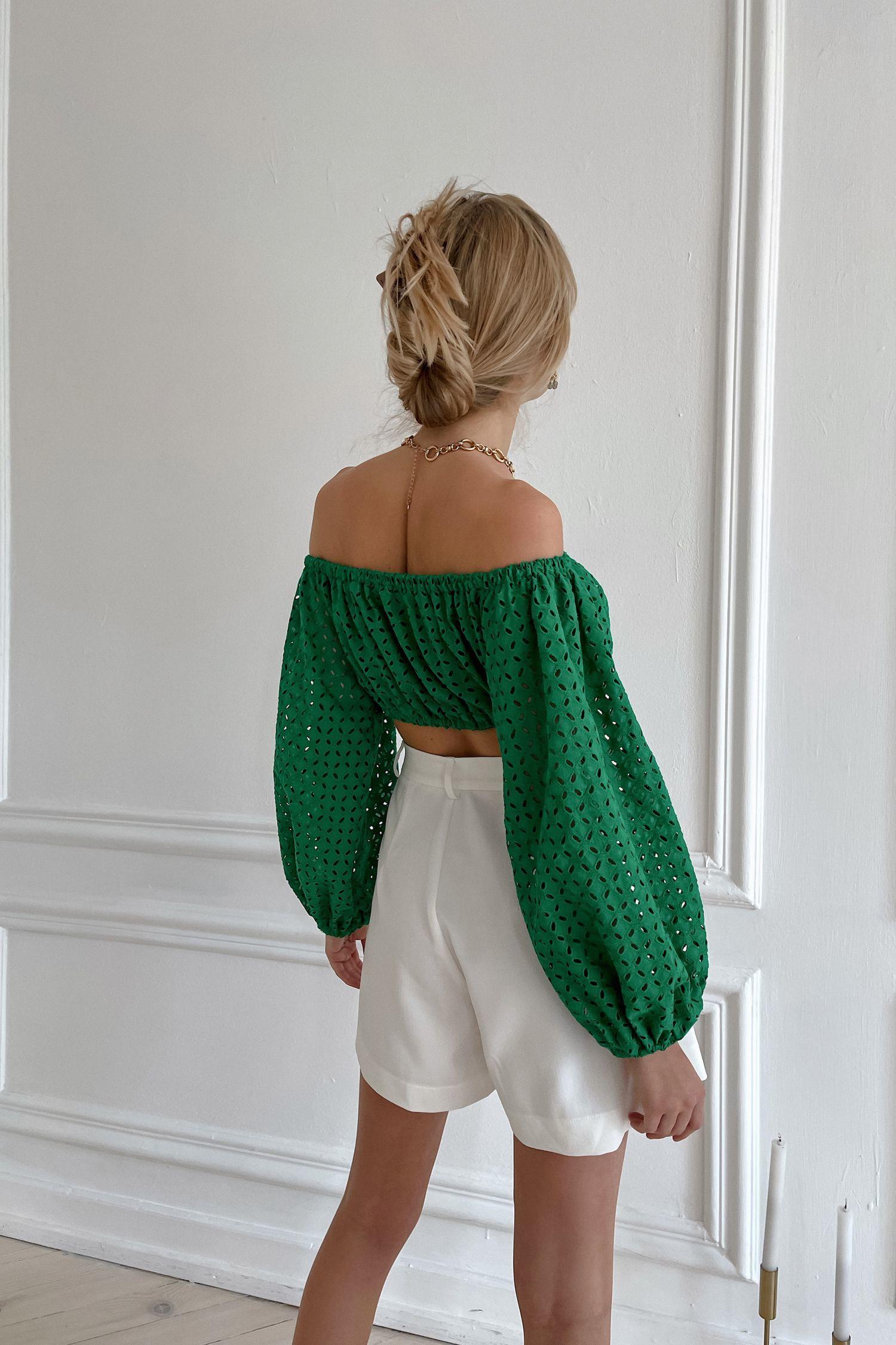 Топ с вышивкой зеленый - THE LACE