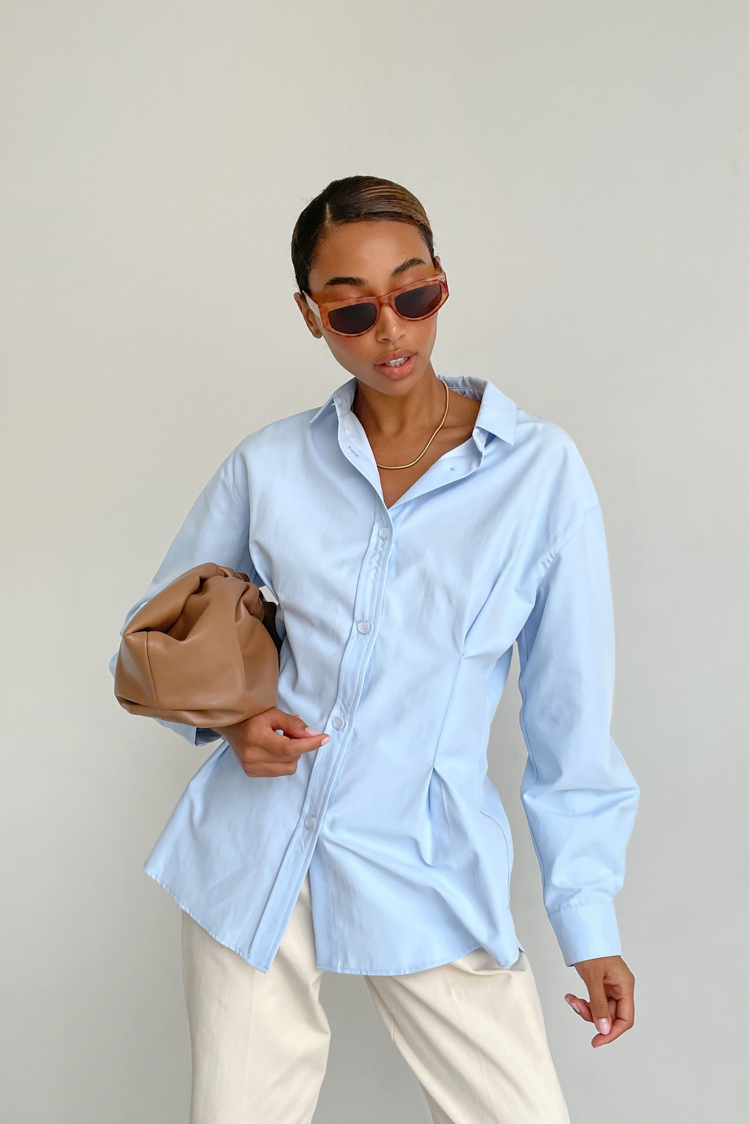 Рубашка с защипами голубая