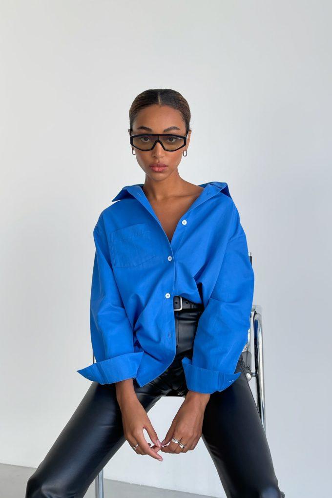 Рубашка оверсайз с накладным карманом синяя - THE LACE