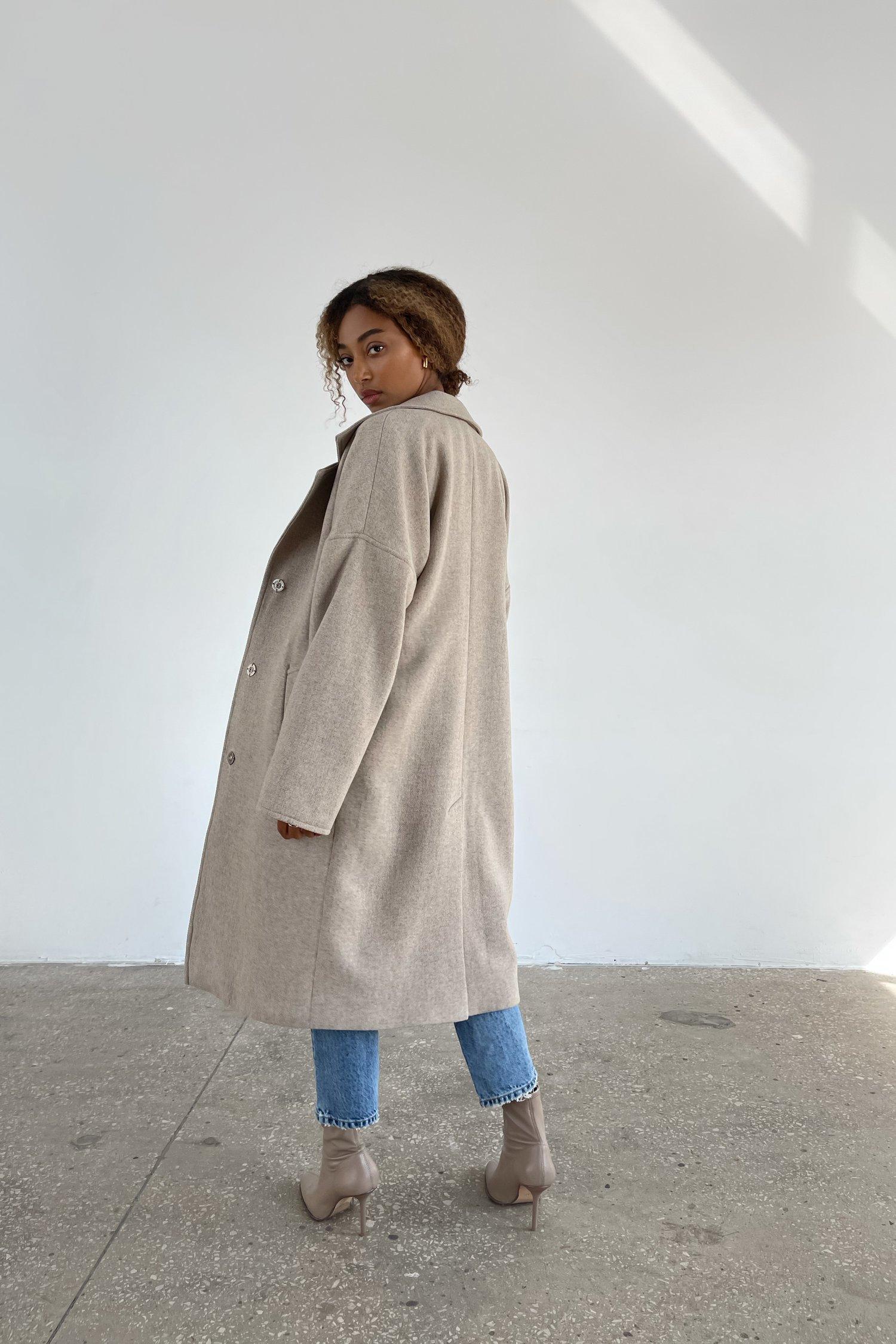 Пальто-халат шерстяное молочное - THE LACE