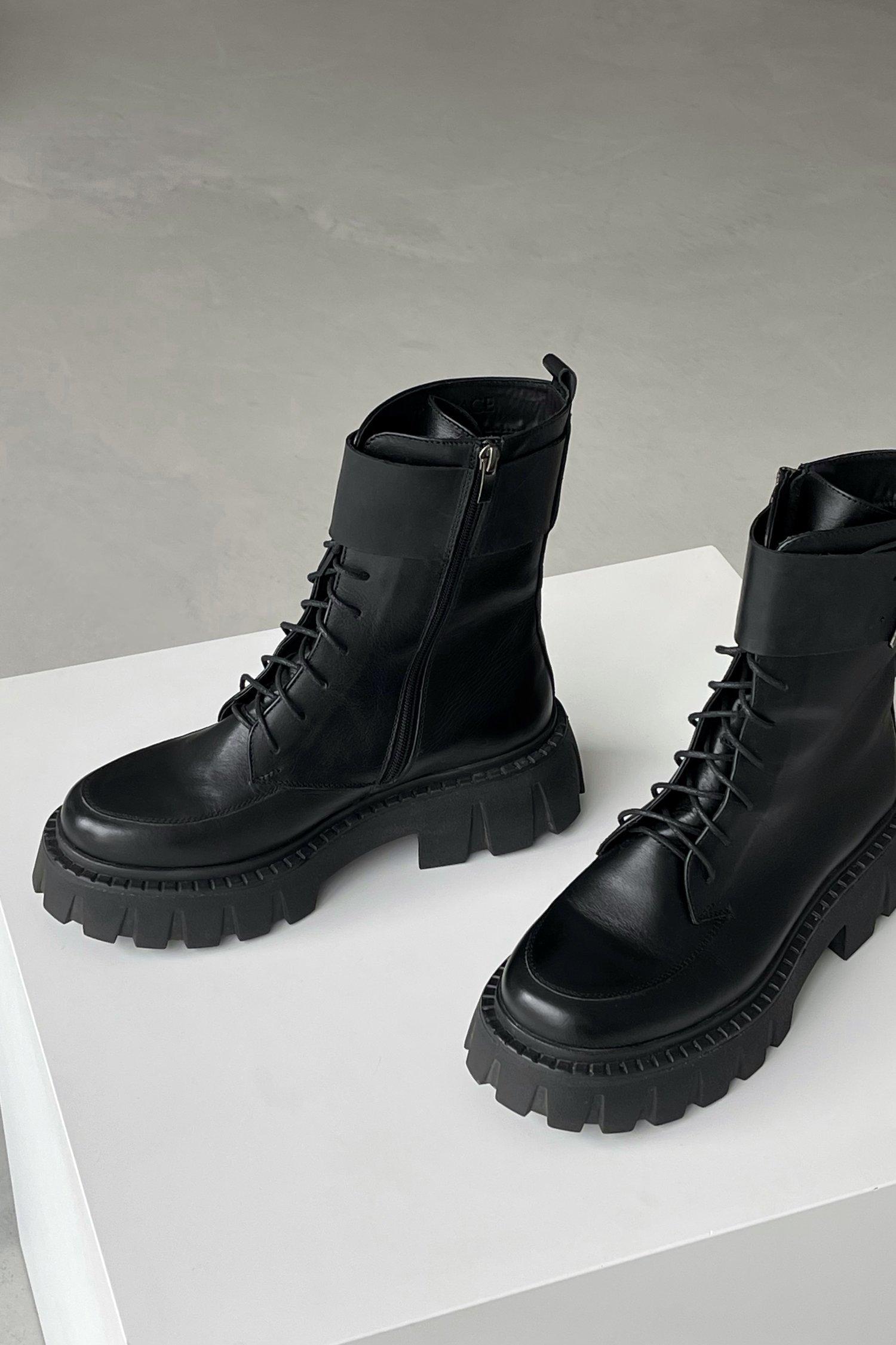 Ботинки на массивной подошве черные - THE LACE
